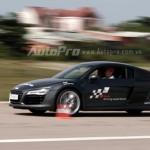 Trải nghiệm Audi R8 V10 trên đường băng Phú Quốc