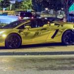Loạt siêu xe bọc vàng trên phố của đại gia Ả Rập