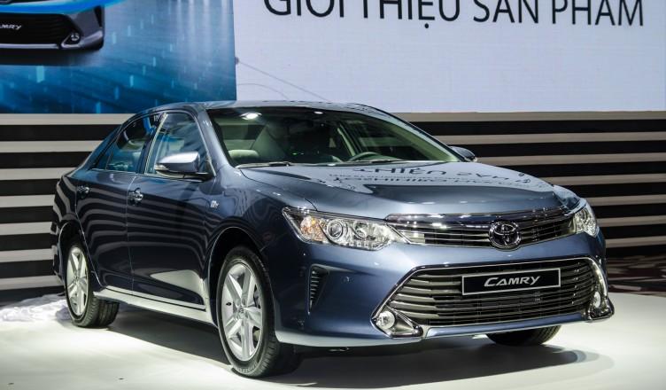 Toyota-Camry-moi-trai-nghiem-baoxehoi