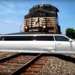 Chrysler 300 bản thân dài bị tai nạn nguy hiểm