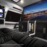 Khám phá xe Toyota Land Cruiser như biệt thự di động