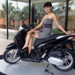 Xe ga Honda SH hạng sang đắt hơn 10 triệu vẫn thiếu hàng