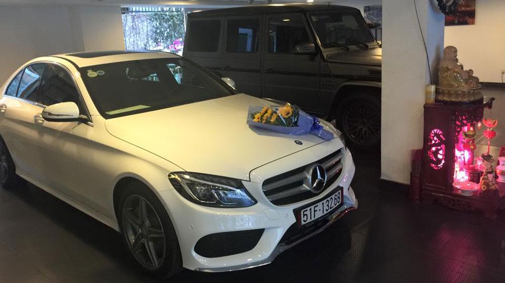 Mercedes-c250-amg-cua-cuong-dola