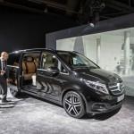 Choáng nội thất siêu sang của Mercedes V class về Việt Nam