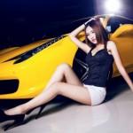 Chân dài Hàn Quốc khoe dáng bên siêu xe cực chất