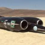 Siêu xe nhanh nhất thế giới tiêu thụ 53 lít xăng mỗi km
