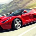 Siêu xe Ferrari LaFerrari chạy quá nhanh bị nóng máy