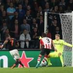 Quỷ đỏ MU dẫn trước rồi lại thua PSV