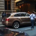 Diện kiến xe siêu sang Bentley Bentayga trên đường phố