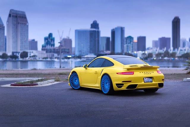 ngam-sieu-xe-doc-porsche-911-turbo-s-vang-tuoi-88-165659