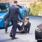 Tổng giám đốc điều hành BMW bị ngất khi đang thuyết trình