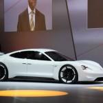 Siêu xe chạy điện của Porsche Mission E Concept lộ diện