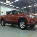 Xe bán tải nóng Toyota Hilux sắp ra mắt chính hãng