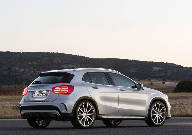 baoxehoi-Mercedes-Benz-GLA45-AMG-(4)-dc2f0