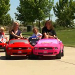 Cuộc đua siêu xe của 2 em bé dễ thương
