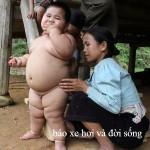 Em bé mập ăn uống siêu khỏe tại Việt Nam