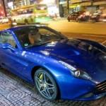 Siêu xe Ferrari California T khoe dáng trên phố Sài Gòn