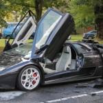 Siêu xe Lamborghini Diablo VT cháy nát trên phố