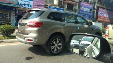 xe-ford-suv-tai-thai-nguyen