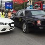 Xe Mazda 600 triệu đâm ngang xe Rolls royce rồng 35 tỷ