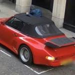 Tên trộm bị camera bắt tại trận khi rạch mui xe Porsche 911