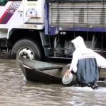 Khi những con đường biến thành sông nước