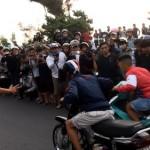 Các nam thanh, nữ tú thể hiện tốc độ giữa phố Sài Gòn