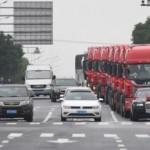 Đại gia chơi trội đón dâu bằng siêu xe và dàn xe container