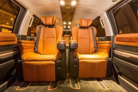 ngam-toyota-limousine-khung