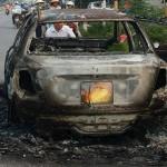 Thanh niên đốt xe Lacetti bị ngáo đá hay say rượu ?