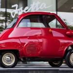 Cận cảnh xe cổ BMW Isetta hình quả bóng độc đáo