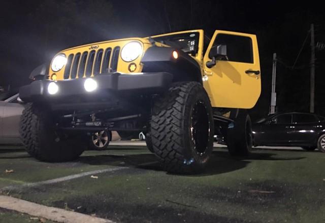 xe-jeep-cua-tuan-hung