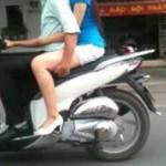 Cô gái đi xe đạp bỏ 2 tay thể hiện trên phố Hà Nội