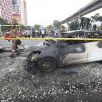 """Chồng đốt 6 xe ô tô vì vợ cũ bỏ theo """"phi công trẻ"""""""