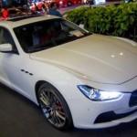 Xe siêu sang Maserati Ghibli chính hãng tại Việt Nam dạo phố