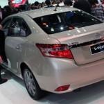 Giá bán mới các dòng xe Toyota tháng 12/2015
