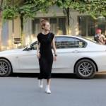 Hot girl Chi Pu lái xe BMW 5 series giá 2 tỷ đi dạo phố