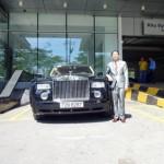 Đại gia Lê Ân tự lái xe siêu sang Rolls royce Phantom đi dạo