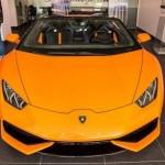 Siêu xe Lamborghini Huracan mui trần màu da cam mới