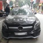 Siêu xe Mercedes GLA 45 AMG giá 3 tỷ bị trộm vặt gương