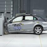 Xe Mercedes E class mới đạt chất lượng an toàn 5 sao
