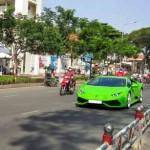 Siêu xe khủng Lamborghini Huracan đi dạo phố Sài Gòn