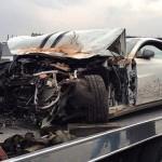 Siêu xe Ferrari FF phóng quá nhanh bị tai nạn