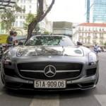 Siêu xe Mercedes SLS AMG xám xuất hiện tại Sài Gòn