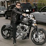 Sở thích chơi xe mô tô phân khối lớn của Tom Cruise