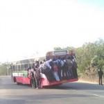 Khi xe Bus chở trăm người một lúc