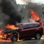 Ford Everest mới cứng đời 2016 vừa chạy thử đã bị cháy