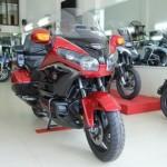 Xe Phantom 2 bánh Honda Gold Wing màu đỏ hiếm về Việt Nam