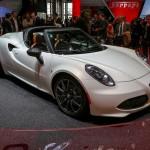 Alfa Romeo 4C mui trần giá chỉ 2,2 tỷ đồng tại Úc