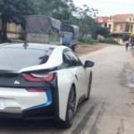 Thiếu gia Quảng Bình lái siêu xe BMW i8 trên đường làng